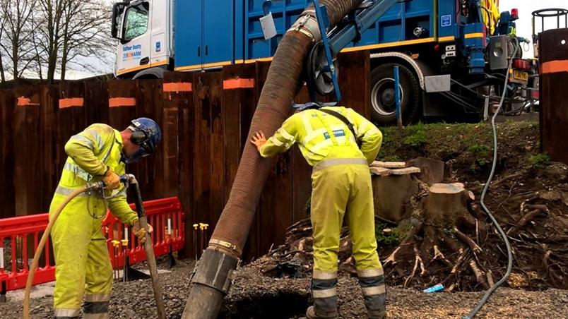 Suction excavators - Specialist services - Expertise - Balfour
