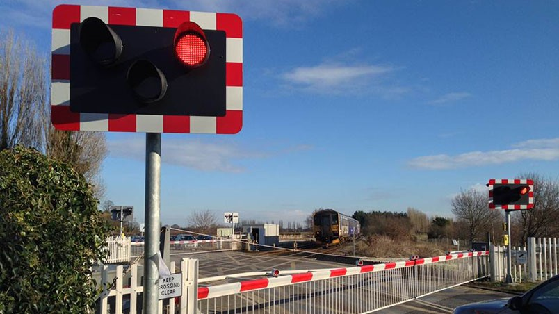 Level crossing monitoring